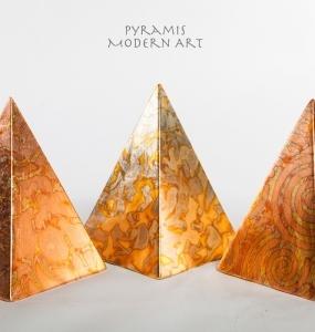 Terra-Nigra-Pyramis_Modern_Art